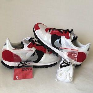 NEW Nike V-Love O.X. Chicago, White Gym Red Black